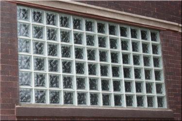 Окна из стеклянных блоков