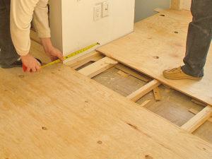 Доска под паркет: как класть паркетную доску на деревянный пол?