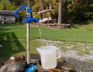 Абиссинский колодец – бесплатная питьевая вода
