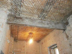 Ремонт и замена потолка с деревянными перекрытиями в сталинке своими руками