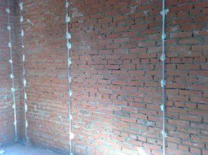 Выравнивание стен по маякам – создаем идеальную