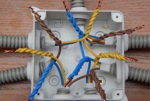 Соединение проводов в распределительной коробке – все возможно, если знать правила