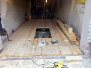 Как сделать деревянный пол в гараже своими руками: пошаговая технология монтажа