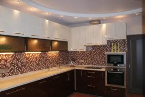Двухуровневые гипсокартонные потолки на кухне и варианты отделки