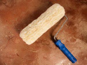 Валик для окраски потолка водоэмульсионкой – секреты выбора инструмента