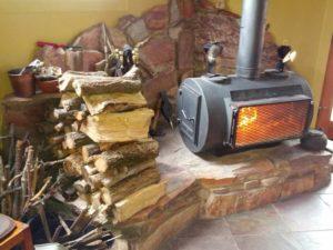 Дровяная печь для гаража – побеждаем холод своими руками