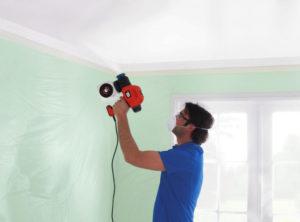 Покраска потолка водоэмульсионной краской краскопультом и видео инструкция