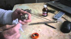 Как почистить пистолет от монтажной пены – техники очистки